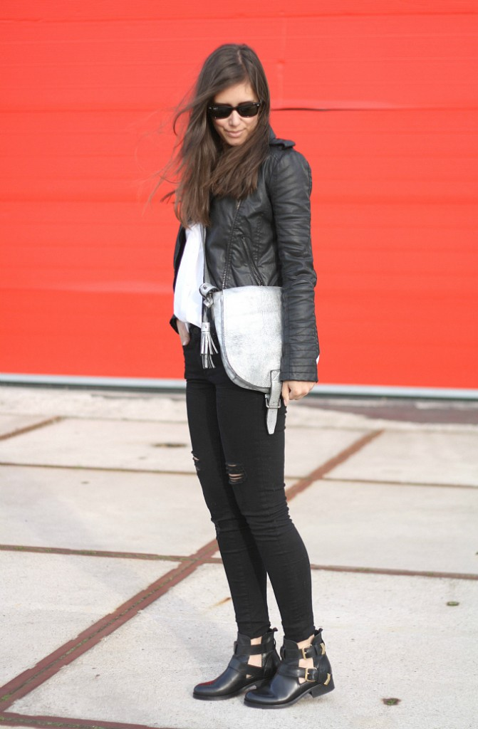Outfit-Balenciaga-cut-out-boots-inspired+black-ripped-jeans-inspiration-671x1024